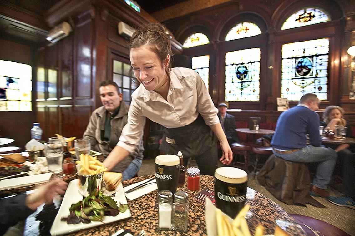 Ta en öl i Dublin
