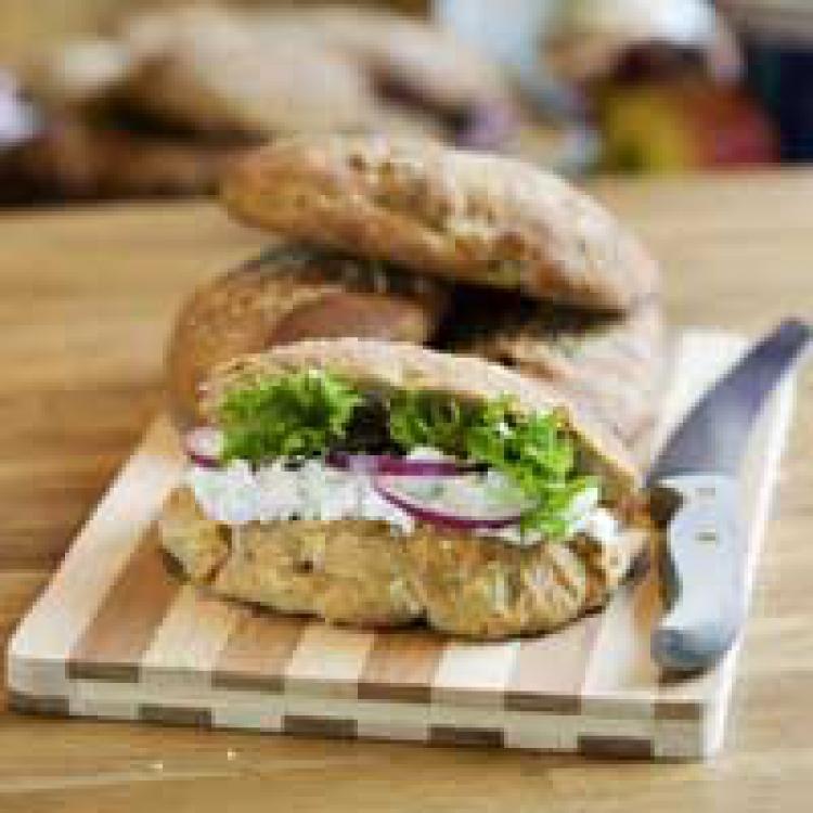 Fetaoströra till smörgåsfyllning