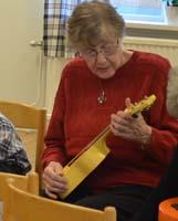 Ska bli fingerfärdiga ukulelelirare