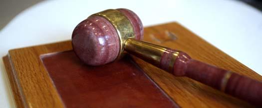 Hotbilden mot pensionärsråden