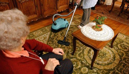 Fler har hemtjänst, färre bor på särskilt boende