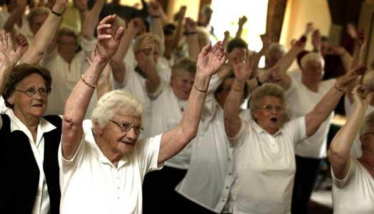 Äldre i världen på väg att fördubblas