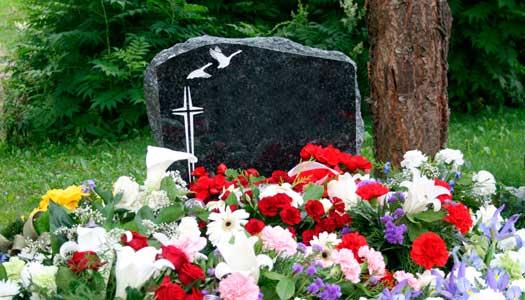 Snart ska alla betala lika begravningsavgift