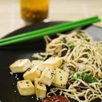 Stekt tofu med nudlar, recept