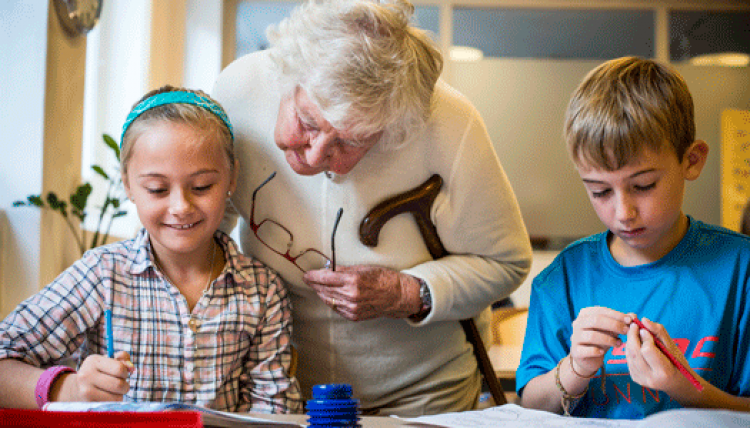 Äldre tar plats i barnens vardag