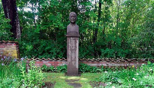 Poetisk oas: Karlfeldtsgården i Karlbo