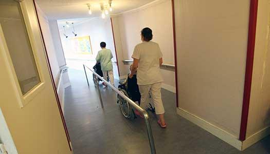 50 000 seniorer till sjukhus efter fall
