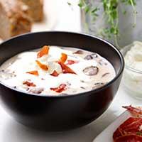 Svampsoppa med tryffelgrädde och lufttorkad skinka. Recept