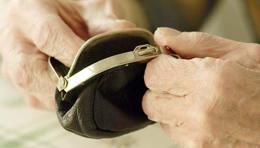 Lång väntan på höjd pension