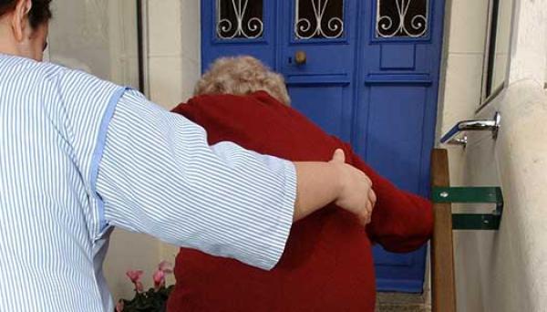 Satsning på äldreomsorg ligger kvar