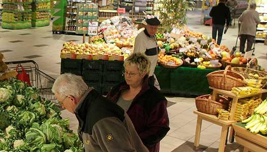 Många pensionärer i Sverige räknas som fattiga