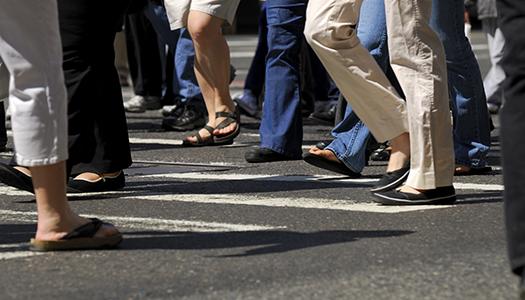 Pensionärerna måste demonstrera på gator och torg!