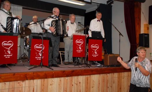 Strokarna underhöll på Umeå Norras Årsmöte