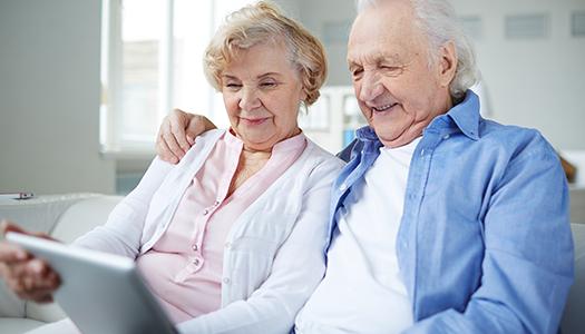 Koll på läkemedel utbildar äldre på webben