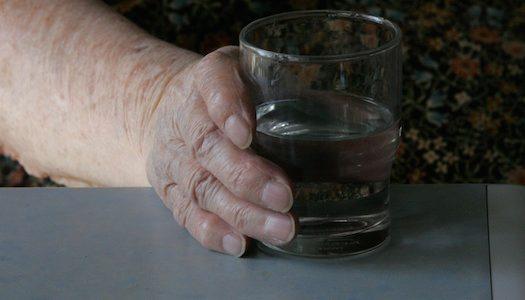 Äldres alkoholmissbruk: Samhället passivt trots växande problem