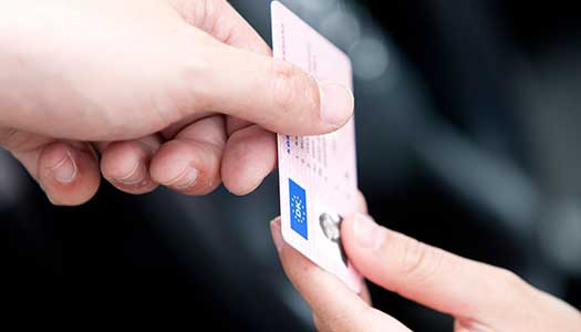Har du giltig ID-handling?