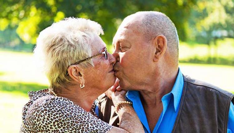 Seniorer söker kärleken på nätet