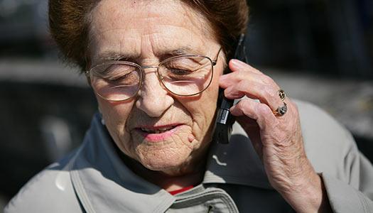 Rekordmånga äldre ringer stödlinje