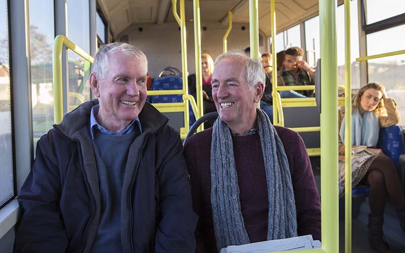 Här åker seniorer gratis buss