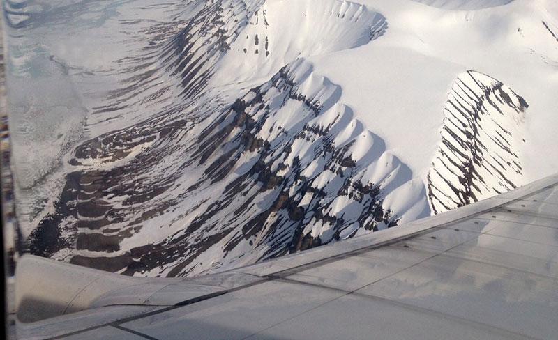 Dramatisk inflygning mot Svalbard. Foto Nils Dåverhög.