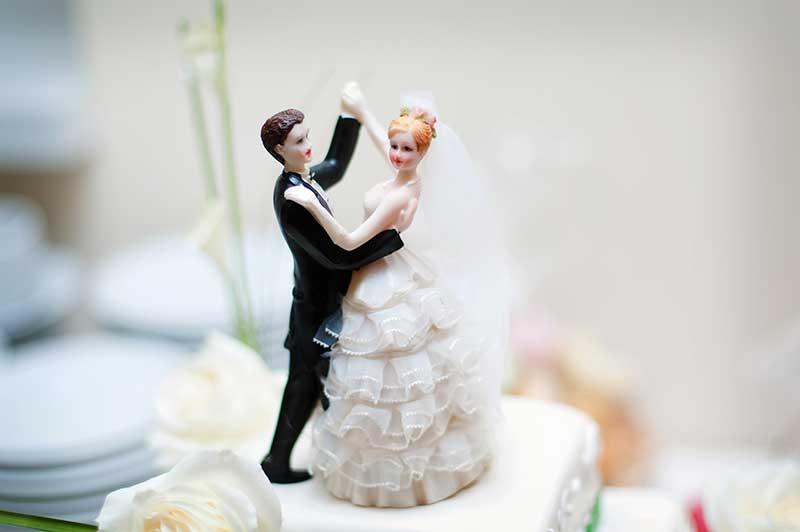 Sänkt pension på grund av giftermål