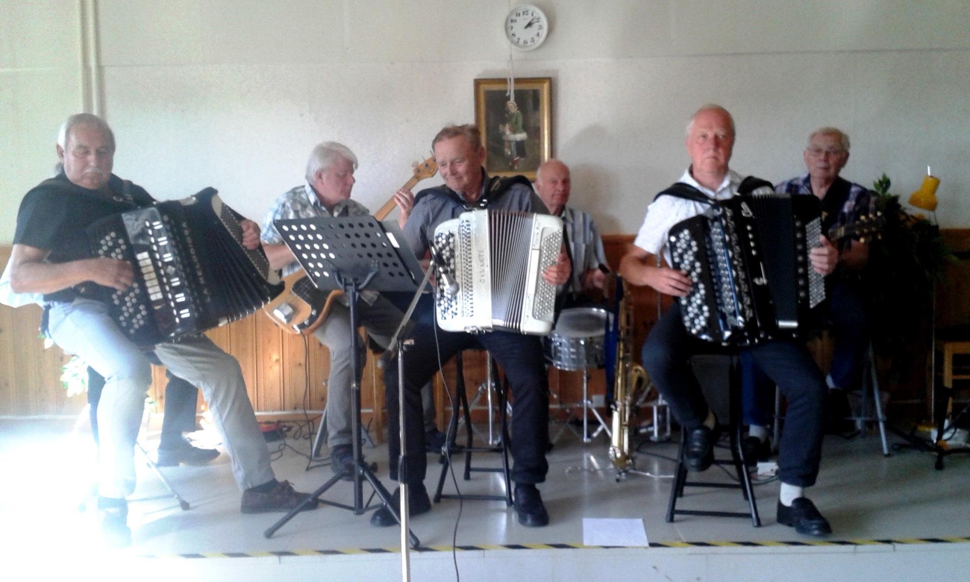 Orsa Dragspelsklubb underhöll på SPF i Mora
