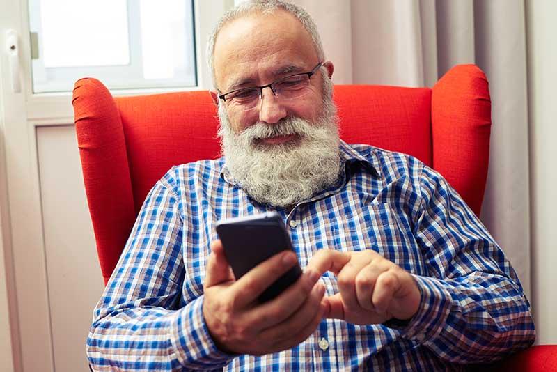 Det gör seniorer på nätet