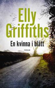 Elly Griffiths, En kvinna i blått