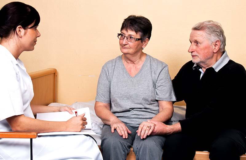 Rapport: Äldre anhöriga behandlas ojämlikt
