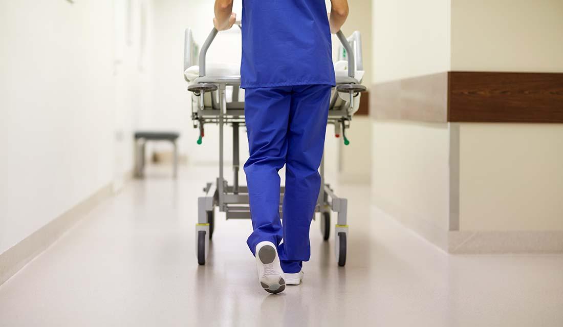 Rekordstor brist på undersköterskor