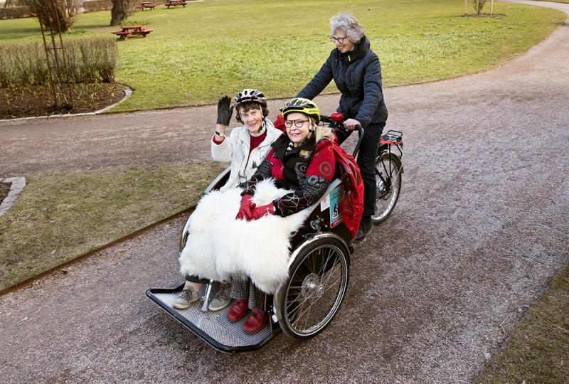 Cykelturen förgyller dagen för Maj, 90