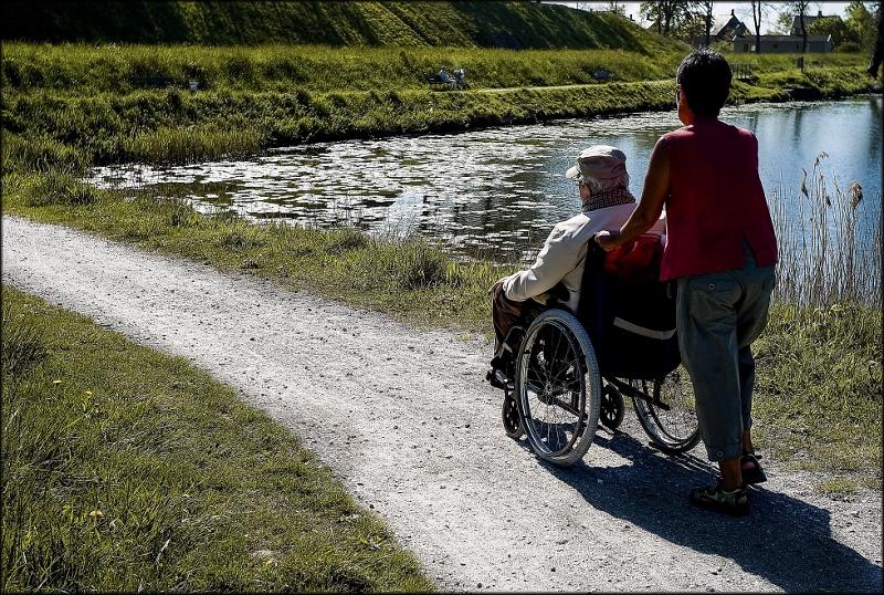 Hemtjänsten: Kommuner förbjuder utländsk personal