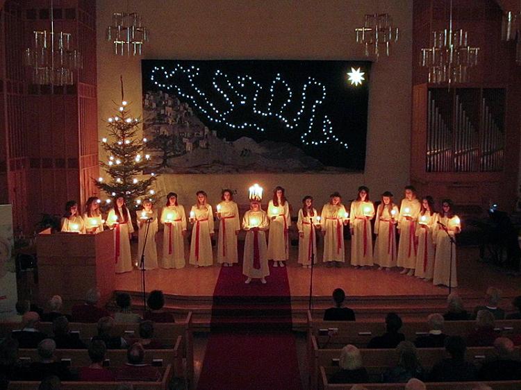 Lucia lockade många i Falun