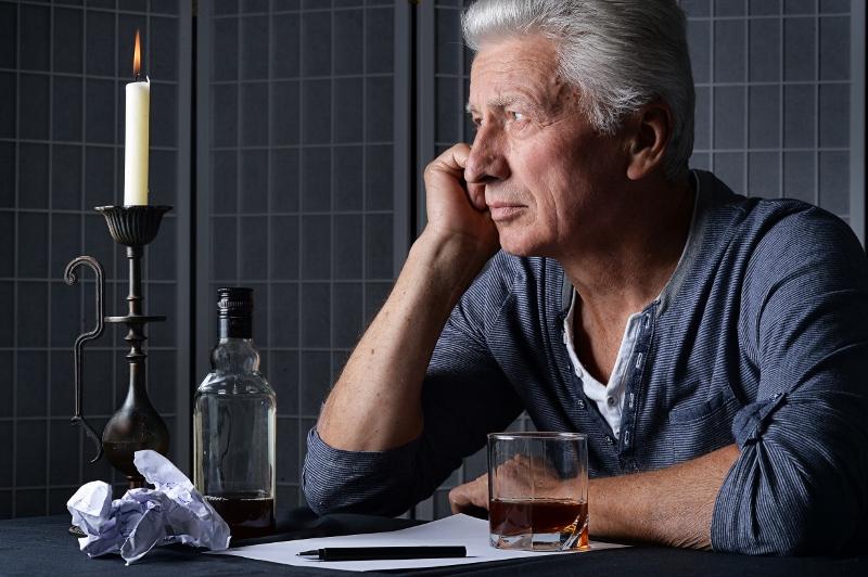 Stor ökning av äldre med alkoholskador