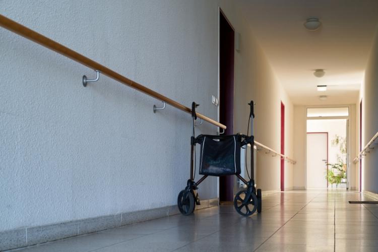 Få partier vill se ökat stöd till äldreboende