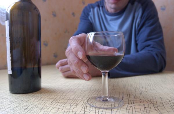 """""""Kartlägg äldres utsatthet för alkoholmissbruk"""""""