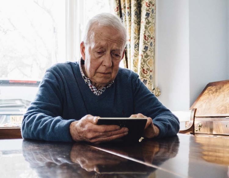 Vill ta bort åldersgräns i omställningspensionen
