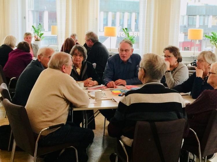 Seniorer ska samverka mot ofrivillig ensamhet