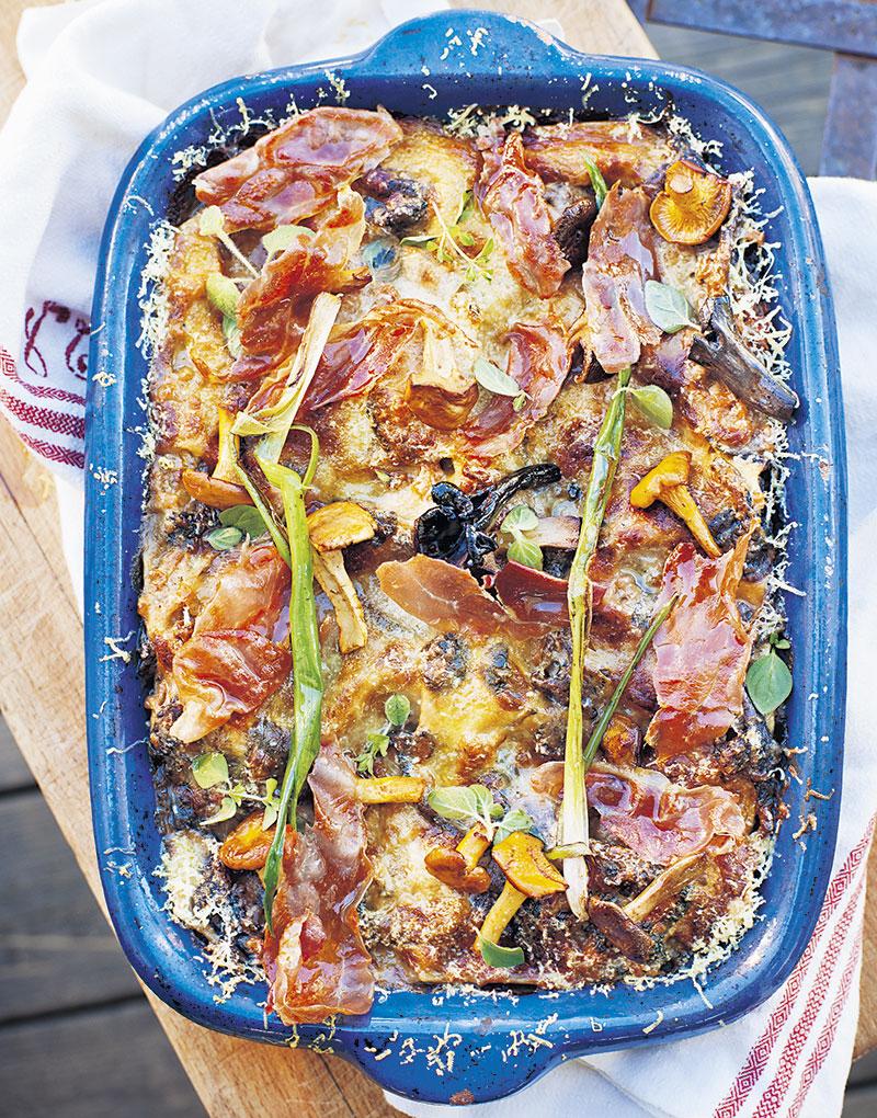 Skogssvamps-lasagne med lufttorkad skinka och oregano