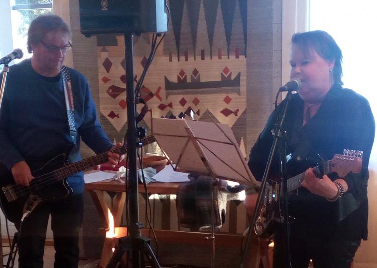 Duon Maritaz spelade på Bjurholms trevliga träff