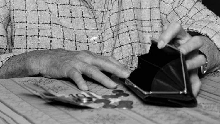 Bättre för fattig att gå i pension