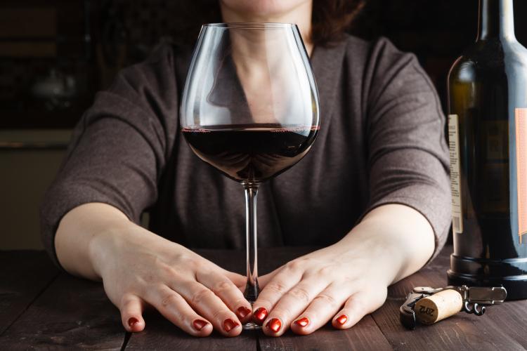 Kvinnor dricker allt mer