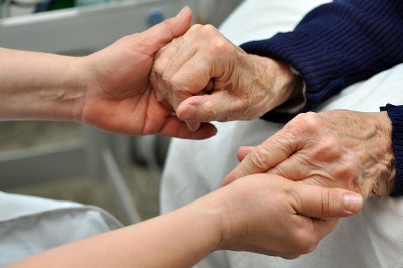 Extra satsning på äldreomsorgens personal