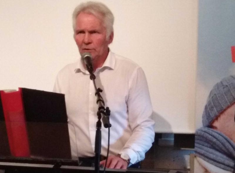 Johnny Wiktorsson underhöll SPFare i Bjurholm