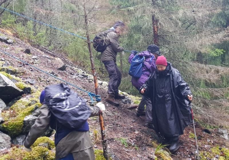 """Långvandring vid Insjöns gruvor: """"Vi har ingen tur med vädergudarna"""""""