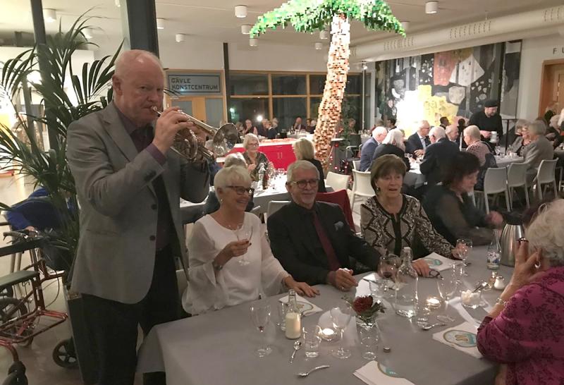 Casablanca och trumpetfanfar gladde när SPF firades för sina 80 år !