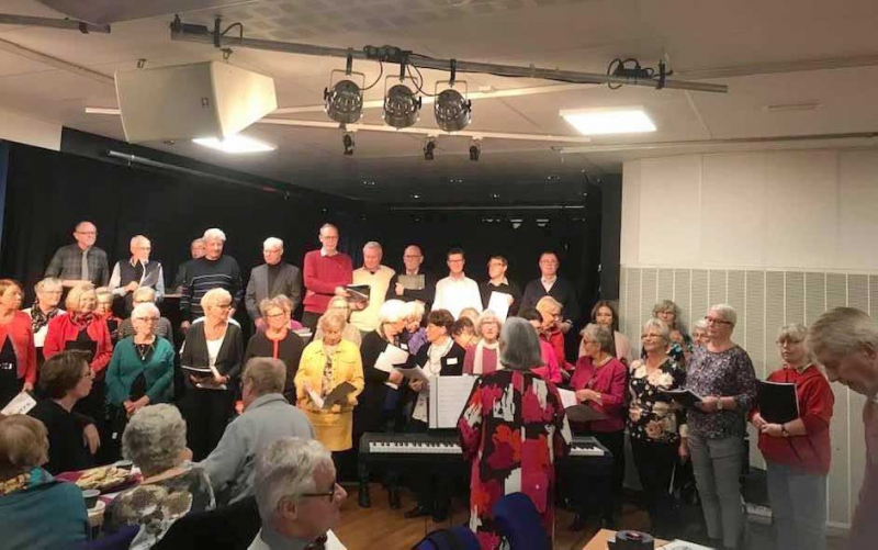 Kören SPF Singers övar inför julkonserten