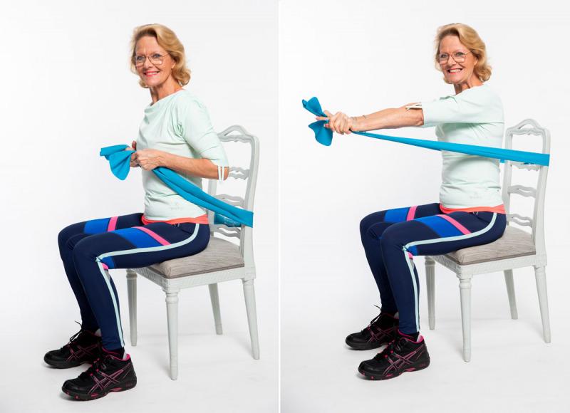 Träna armar och axlar sittande