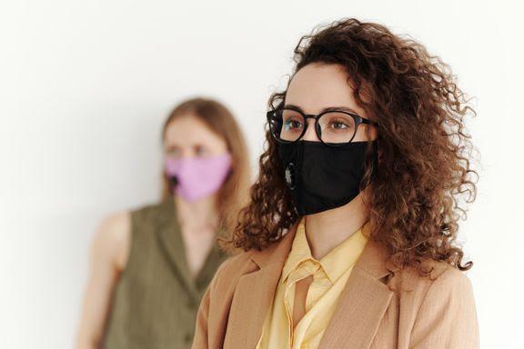 Så slipper du imma på glasögonen när du bär munskydd