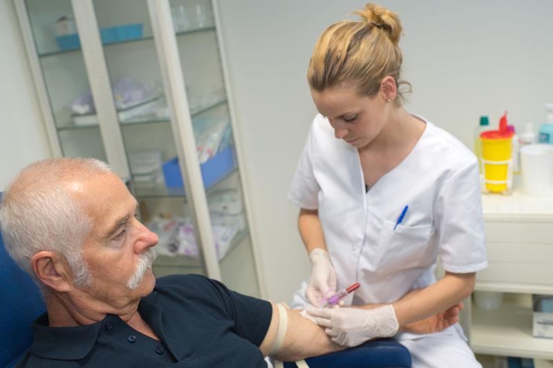70-plussare kan börja vaccineras i februari